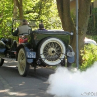 Erst beim Beschleunigen hört und sieht man die Dampfmaschine