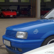 Im Hintergrund lauern die aktiven Schätzchen des Automuseums...