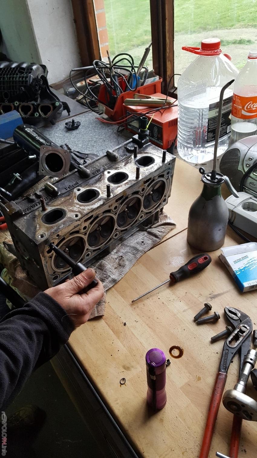 Weshalb ich den Motor eigentlich aufgemacht habe, Ventilschaftdichtungen hatten ihre besten Jahre hinter sich.