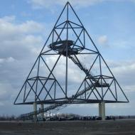 Tetraeder in Bottrop, Fotoshooting unter spektakulärer Kulisse auf der höchsten Abraumhalde des Ruhrpotts